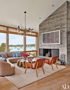 How to take your living room beach chic this summer–no sand needed