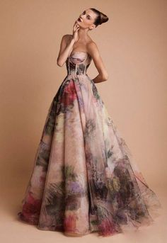 watercolor dress // Rani Zakhem Haute Couture Fall/Winter - would make a lovely wedding gown and pick one color in the dress for the bridesmaids-just saying Beautiful Gowns, Beautiful Outfits, Gorgeous Dress, Beautiful Beach, Beautiful Pictures, Mode Glamour, Evening Dresses, Prom Dresses, Long Dresses