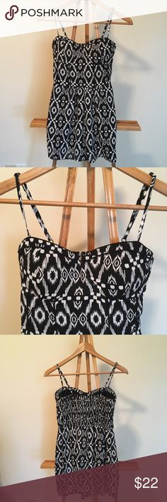 Band of Gypsies Tribal Print Romper M Size medium, pockets, and adjustable straps. Sweetheart neckline and elastic stretch ruched back. Lightweight, drapey fit on bottom. EUC! Band of Gypsies Other
