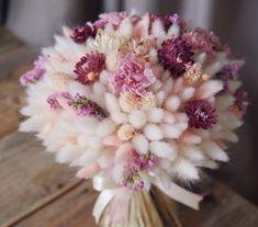 Lovely and delicate bouquet pastel flowers arrangement ll - Blumen - Deco Floral, Arte Floral, Floral Design, Floral Wall, Beautiful Flower Arrangements, Floral Arrangements, Bridal Flowers, Beautiful Flowers, Pastel Flowers