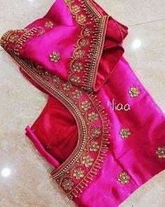 "missblouses on Instagram: ""Bridal Blouse Inspiration ❣️ . Designer @niaa_boutique . Follow @missblouses for more Bridal Blouse Trends! . Tag #missblouses to get…"" Hand Work Blouse Design, Half Saree Designs, Simple Blouse Designs, Stylish Blouse Design, Fancy Blouse Designs, Bridal Blouse Designs, Blouse Neck Designs, Peacock Embroidery Designs, Chennai"