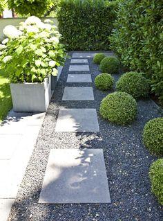 Privatgärten Düsseldorf Back Gardens, Outdoor Gardens, Cerca Natural, Side Yard Landscaping, Landscaping Ideas, Landscaping Software, Patio Ideas, Garden Ideas, Minimalist Garden