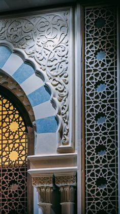 Mosque Architecture, Amazing Architecture, Architecture Design, Islamic Art Pattern, Pattern Art, Marocco Interior, Moroccan Lounge, Islamic Tiles, Living Room Sofa Design
