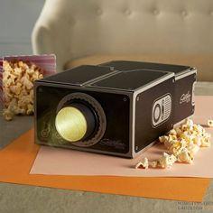 Gadżet do Komórki - Projektor do Smartfona. Kinowy klimat w zaciszu własnego pokoju!