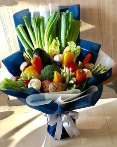 Vegetable Bouquet, Vegetable Basket, Edible Centerpieces, Edible Bouquets, Mixed Vegetables, Veggies, Deco Fruit, Food Bouquet, Fruit Creations