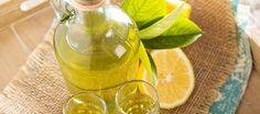 Limoncello is een digestieve likeur, afkomstig uit het zuiden van Italie. Er bestaat geen officieel recept; de Italiaanse vrouwen die limoncello maken, krijgen...