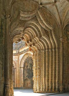 http://media-cache-ec0.pinimg.com/236x/b0/7e/0f/b07e0facff07b4327225a9e523d59b0a.jpg Portugal Architecture Image 37 - Monastary