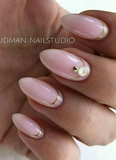 54 Perfect Short Acrylic Almond Nails Design For This Summer - Page 45 of 54 - Latest Fashion Trends For Woman Gold Nails, Stiletto Nails, Fun Nails, Nails Short, Long Gel Nails, Acrylic Nail Designs, Acrylic Nails, Almond Nails Designs, City Nails