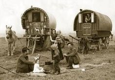 **A fascinating look at Gypsy life** 1939 Romany Gypsy Caravan Appleby Horse Fair Bow Top Wagon. Gypsy Caravan Interiors, Gypsy People, Gypsy Culture, Gypsy Trailer, Gypsy Home, Gypsy Living, Sainte Marie, Vintage Gypsy, Gypsy Wagon