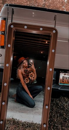 Cowboy Outfits, Western Outfits, Underwater Photography, Portrait Photography, Cowgirl Pictures, Country Style Outfits, Quinceanera Photography, Photoshoot Themes, Grad Pics