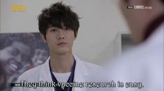 Lee Kiwoo is one HANDSOME (and gigantic XD) doctor in The Virus~