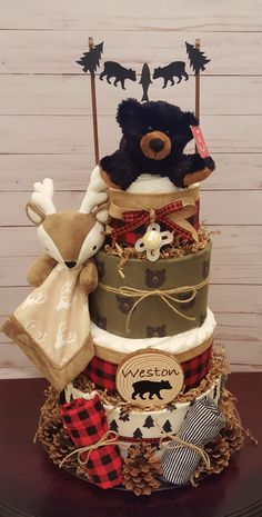 45 Cool Baby Shower Gift Ideas For Baby Boy Forest Lumberjack diaper cake. Heart of the baby shower, unique . The heart of the baby shower, unique . Baby Shower Decorations For Boys, Boy Baby Shower Themes, Baby Shower Fun, Baby Shower Centerpieces, Baby Shower Favors, Dad Baby Showers, Hunting Theme Baby Shower, Baby Themes For Boys, Boy Baby Shower Cakes