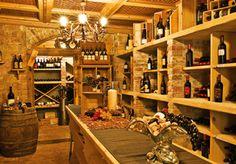 Das sind die Kellerschätze des Castel. Passionierte Auslese und einzigartige Selektion. Das ist was für wahre Weinliebhaber!