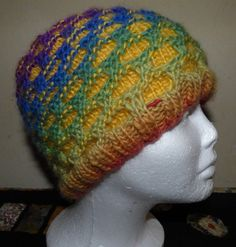 Recently I came across a pattern for Newfie mittens (pattern on Ravelry) and made them. Then I wondered if there was one for a hat. There were several, but they didn't seem to meet my need… Knitted Mittens Pattern, Knit Headband Pattern, Knit Mittens, Knitting Patterns Free, Knitted Hats, Crochet Hats, Knit Socks, Hat Patterns, Knitting For Kids
