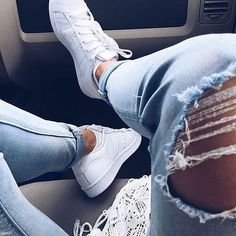 Sneakers femme - Adidas Superstar Rose Gold - Adidas Shoes for Woman Adidas Superstar, Camille Callen, Fashion In, Fashion Beauty, Nike Free Shoes, Best Sneakers, Look Cool, Cute Shoes, Trendy Shoes
