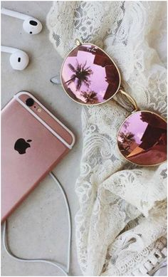 The stylish Fendi sunglasses can be found in Crystal Pink frames and Brown/Category: 3 colour, which are ultra-trendy this season.