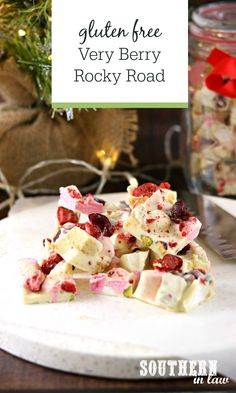 Christmas Desserts, Homemade Christmas, Christmas Recipes, Christmas Gifts, Berry, Freeze Dried Strawberries, Healthy Holiday Recipes, 5 Ingredient Recipes, Vanilla Cookies