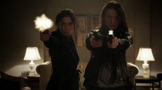 Root(Amy Acker) and Shaw(Sarah Shahi) ❤