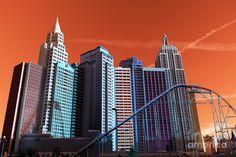 New York New York Pop Art Photograph Willis Tower, New York Skyline, Pop Art, Skyscraper, Photograph, Art Prints, Travel, Photography, Art Impressions