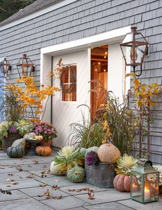 Adding different heights of fall harvest to your front porch will instantly add depth to your home. 🍂 This front door features planters… Autumn Decorating, Porch Decorating, Decorating Ideas, Pumpkin Decorating, Fall Home Decor, Autumn Home, Autumn Fall, Autumn Harvest, Home Decoration