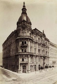 Old Pictures, Old Photos, Vintage Architecture, Budapest Hungary, Historical Photos, Landscapes, The Past, Louvre, Europe