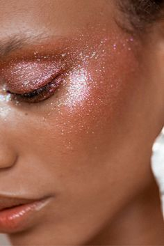 A glitter makeup look we can all believe in