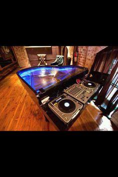 DJ booth piano!