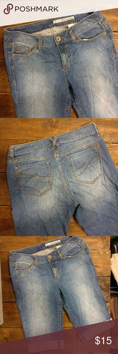 DKNY Jeans Denim Cuffed Capris Cute! DKNY Jeans  Denim cuffed capris  Super cute for summer! Gently used, great condition. DKNY Jeans