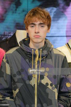 Gene Gallagher attends Prada Thunder at the London Flagship Store on June 2019 Gene Gallagher, Lennon Gallagher, Liam Gallagher Oasis, Red Headed League, Indie Boy, Ginger Hair, Pretty Boys, Pretty People, Cute Kids