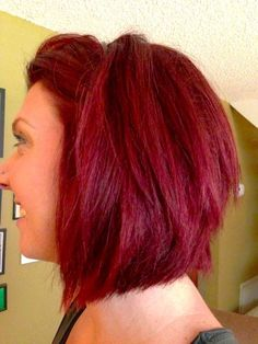 Hair (easy steps, no pre-lightening) modern day moms red hair chalk, red ha Summer Hairstyles, Pretty Hairstyles, Easy Hairstyles, Hairstyle Ideas, Red Hair Chalk, Red Hair Images, Bright Red Hair, How To Dye Brown Hair Red, Dyed Hair