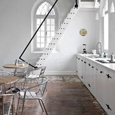 Vosgesparis: A South African Church - Stairs for house - clean lined, painted white, minimal railing in black metal. Great restoration to living space. Can this work for attic stairs? Chapel Conversion, Church Conversions, Kitchen Interior, Kitchen Design, Apartment Kitchen, Studio Apartment, Kitchen Ideas, Interior Architecture, Interior And Exterior
