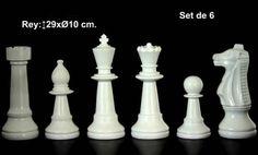 FIGURAS AJEDREZ BLANCAS RESINA. SET 6 UNIDADES Medidas del Rey: 29x10cm IVA incluido También disponible en negro y en plat
