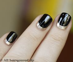 Love these nails. I need a special ocassion to warrant trying this out!