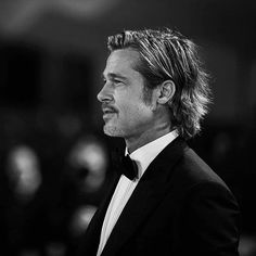 Brad Pitt Hair, Johnny Depp Quotes, Venice Film Festival, Daniel Day, Haircuts For Men, Men's Haircuts, Richard Gere, George Clooney, Matthew Mcconaughey