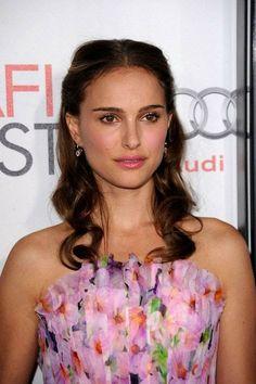 Natalie Portman Black Swan, Natalie Portman Style, Nathalie Portman, Darren Aronofsky, 32 Birthday, Red Carpet Looks, Makeup Routine, Celebs, Celebrities
