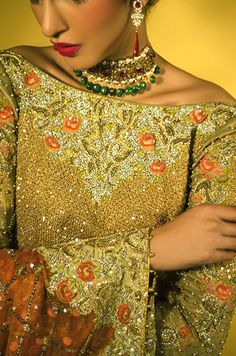 Tena Durrani's bridal streak continues to impress with ever more dazzling new designs from the Omorose collection. Committed to steering clear of re-runs, Tena is always on the move to innovate and…