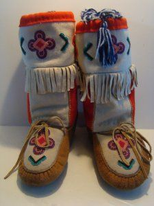 mukluks Beadwork, Beading, Walk A Mile, Native American Crafts, Trading Post, Slipper Boots, Doll Shoes, Mittens, Moccasins