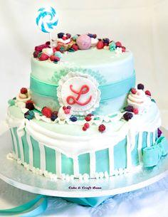 torta color menta, frutti di bosco pdf, cake a piani, pasta di zucchero. con minicupcake caramelle e fragoline. www.facebook.com/pages/Cake-Craft-Luna
