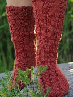 pitkävartiset villasukat Boot Cuffs, Leg Warmers, Knitting, Knits, Crocheting, Lilac, Knitting Socks, Threading, Leg Warmers Outfit