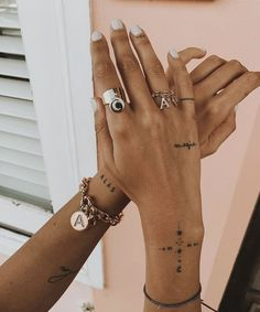 9 super cool tattoo trends that were so popular in 2019 Ecemella - tattoo, tattoo ideas, tat . - 9 super cool tattoo trends that were so popular in 2019 Ecemella – Tattoo, Tattoo Ideas, Tattoo S -