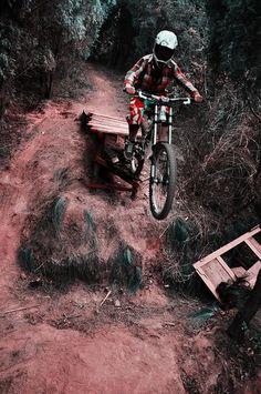 Photo of in Mianyang, China. Bmx, Mtb Bike, Bike Trails, Road Bike, Freeride Mtb, Freeride Mountain Bike, Mountain Biking, Cycling Art, Cycling Bikes