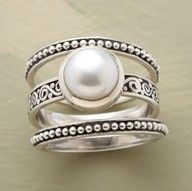 adore this ring