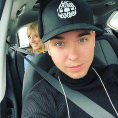 Youtubers, Selfies, Riding Helmets, Baseball Hats, Films, Instagram, Movies, Baseball Caps, Caps Hats