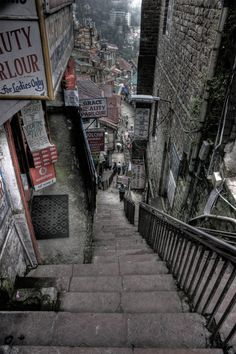 Shimla, Himachal Pradesh, India One of the best places to visit. City Landscape, Urban Landscape, Urban Photography, Street Photography, Digital Foto, City Aesthetic, Urban Aesthetic, Shimla, Slums