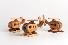 Helicóptero de juguete de madera artesanal por asummerafternoon