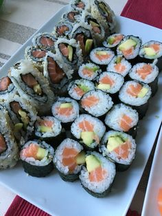 Food Now, I Love Food, Good Food, Yummy Food, Sushi Roll Recipes, Food Obsession, Food Goals, Aesthetic Food, Food Cravings