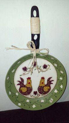 Otro sartén con gallinitas  pintado a mano con acrilicas, por Olguita mi Fancy