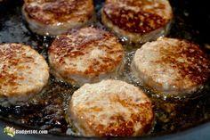 Maple Breakfast Sausage Recipe, Breakfast Sausage Seasoning, Sausage Spices, Homemade Sausage Recipes, Homemade Breakfast Sausage, Breakfast Sausages, Recipes With Hot Sausage, Pork Recipes, Sausage Meals