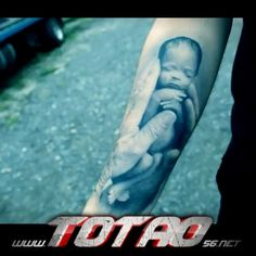 "Tatuaje de Canserbero ""La Vida"""