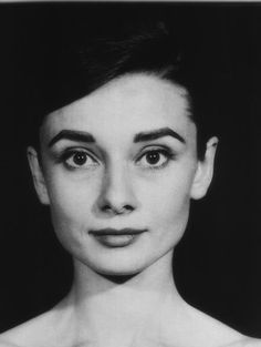 Audrey Hepburn No Makeup, Still Gorgeous Since They Didn't Pile It On Back Then